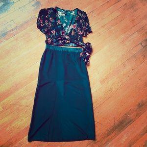 TOPSHOP Mid Length High Slit Skirt